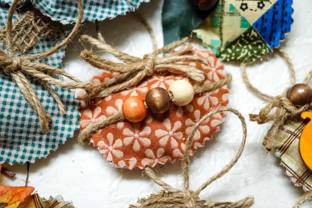 homemade no sew sukkah decorations to hang around your sukkah
